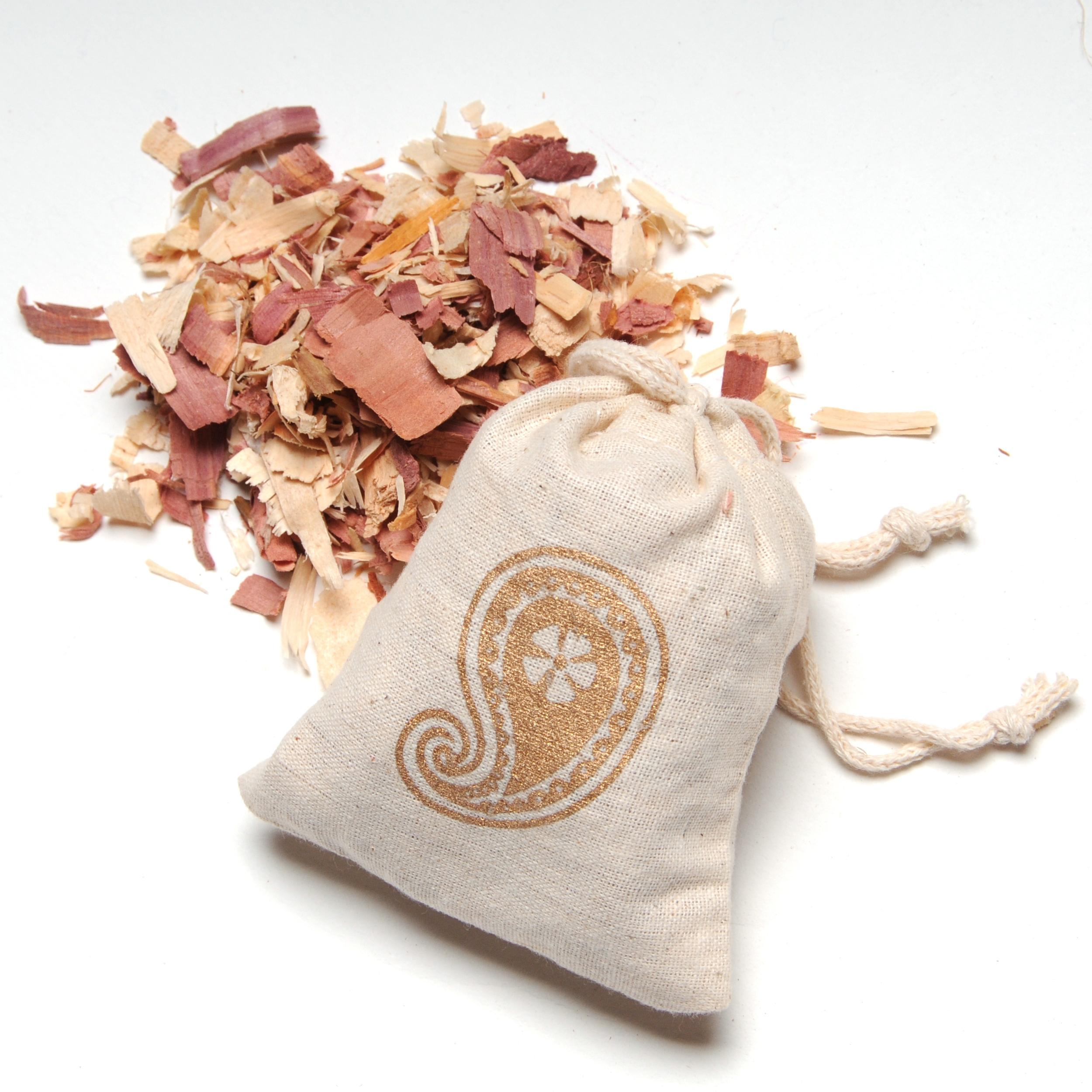 perfumed cedar wood sachet